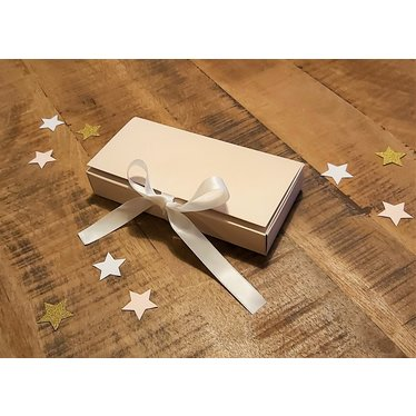 Your Little Miss Box mit Schleife