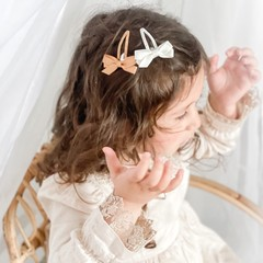 Your Little Miss Set of girls hair clips with bow in neutral tones