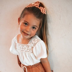 Your Little Miss Hair bow with elastic nude waves