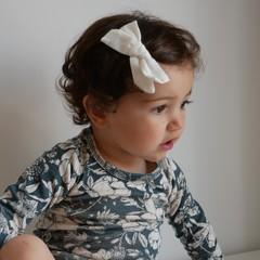 Your Little Miss Hair clip with bow medium cream linen