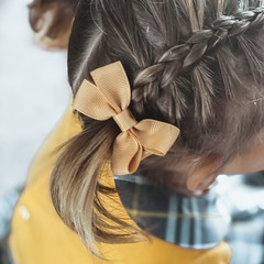 Your Little Miss Hair clip with bow medium pale gold