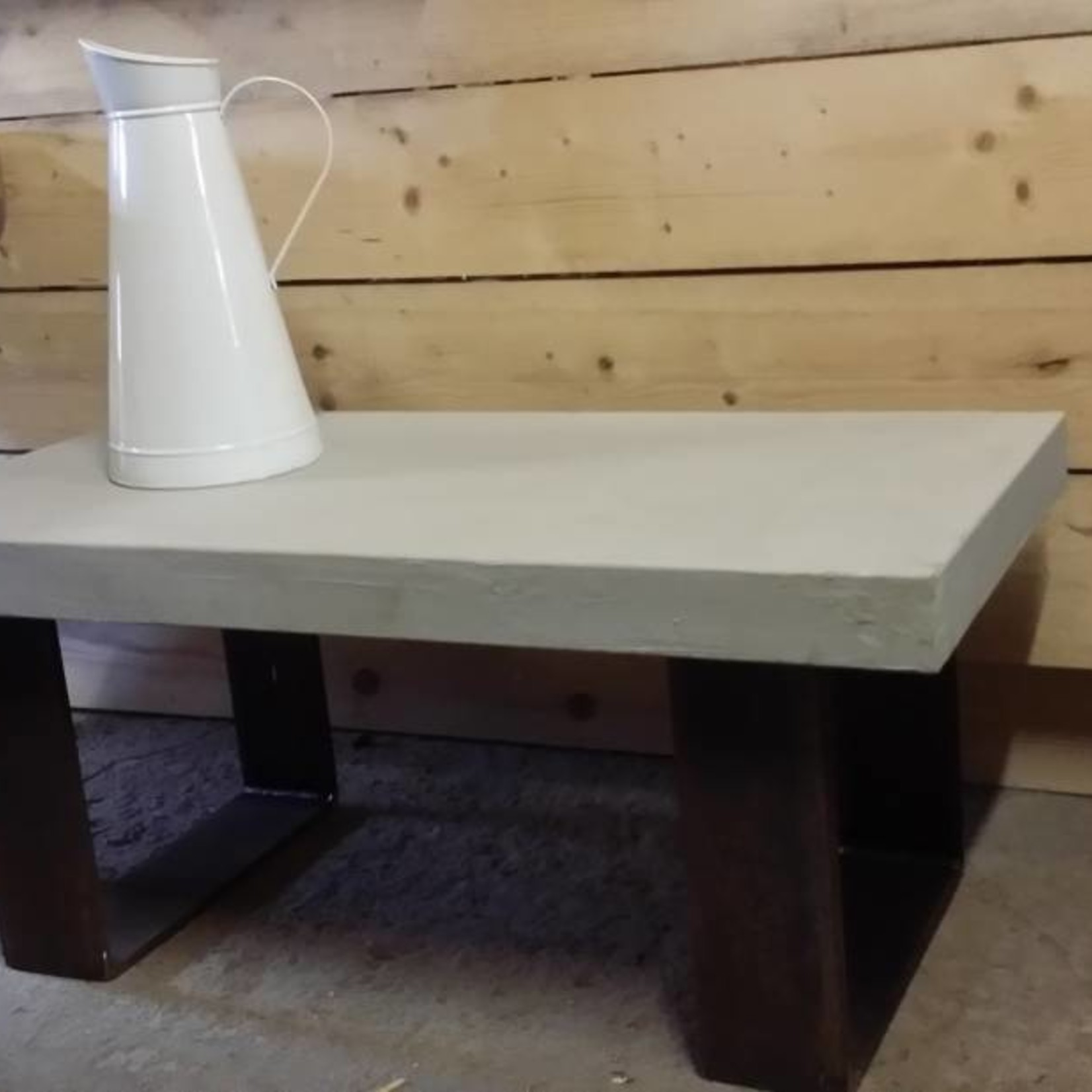 Stalen Strip salontafel en bank poten