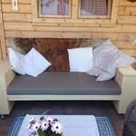 Tuinbank met 20 cm leuningen, zitting 50 cm diep