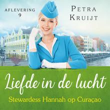 Petra Kruijt Stewardess Hannah op Curaçao
