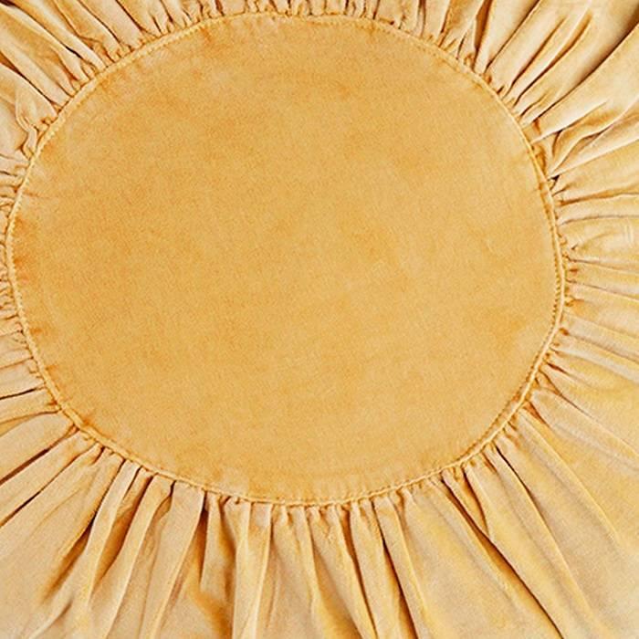 Rond velvet kussen in geel / licht mosterd: Ø 45 cm