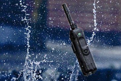 Portofoonaccessoires waaronder portofoon batterijen, portofoon laders en meer.
