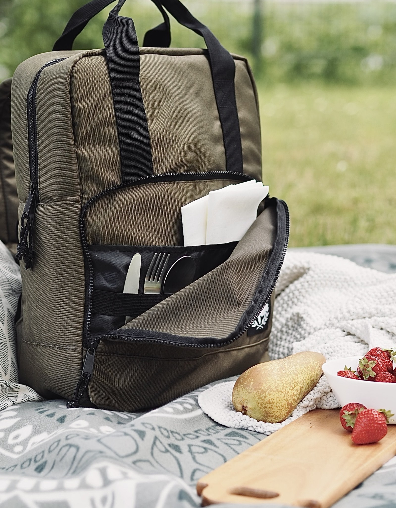 Recycled Cooler Backpack - olive