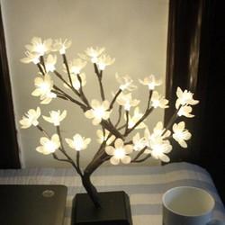 Supply LED Lamp Boom met Bloesem