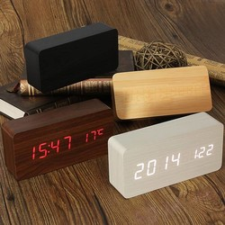 J&S Supply USB/AAA Houten Digitale Klok