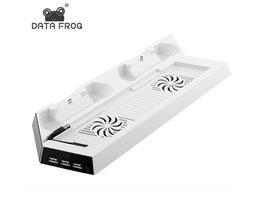 Wit Charging Dock Stand Dual Koelventilator voor PS4 Koeling Station Verticale Stand met 3 Controller Opladen Dock <br />  DATA FROG