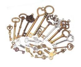 Metalen Gemengde Charms Key Shape Hanger Charms voor Sieraden Maken DIY Handgemaakte Decoratie Vintage Key Charms 40 stks C8321 <br />  KUPLA