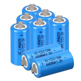 8 stks Ni-Cd 1.2 V 2/3AA oplaadbare batterij NiCd Batterijen-blauw 600 mah