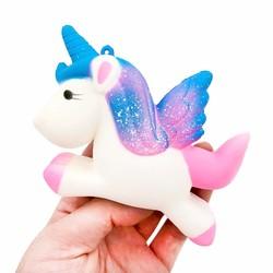 MyXL 13.5 CM Simulatie Vliegende Eenhoorn Pony Paard Squishy Speelgoed Trage Stijgende Squeeze Doll Fun Grappen Rekwisieten Pranks Maker Trick