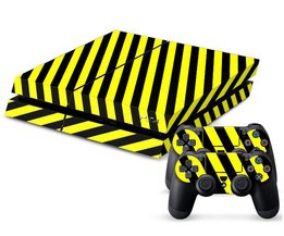 Playstation 4 Sticker Zwart/Geel Gestreept