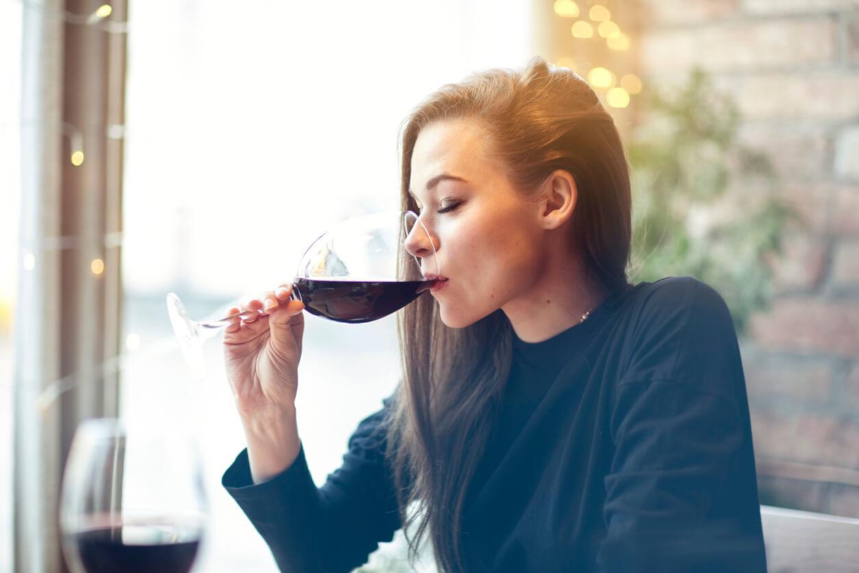 8 voordelen van het drinken van rode wijn