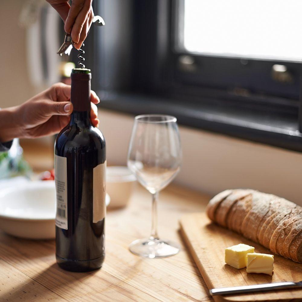 Hoe lang is een geopende fles wijn houdbaar?