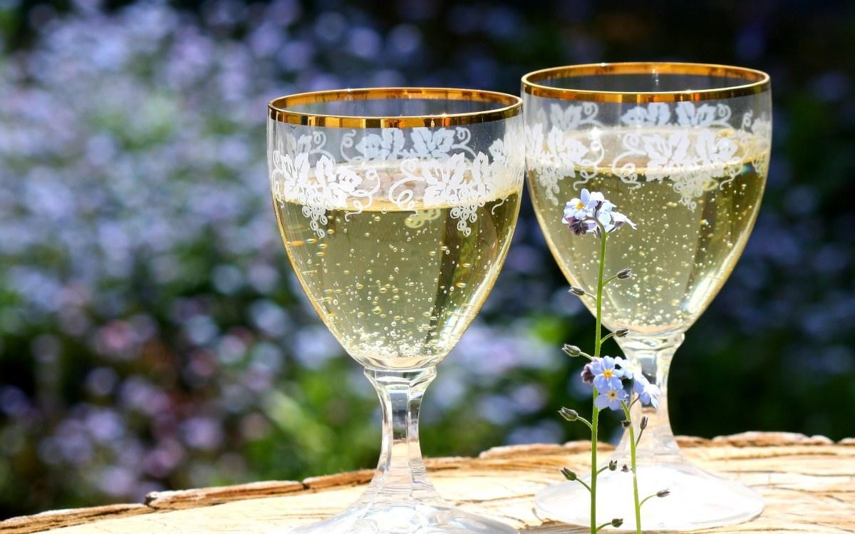 Dit zijn de beste wijnen voor in de lente