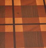 kopshouten snijplank met het motief van een Schotse ruit