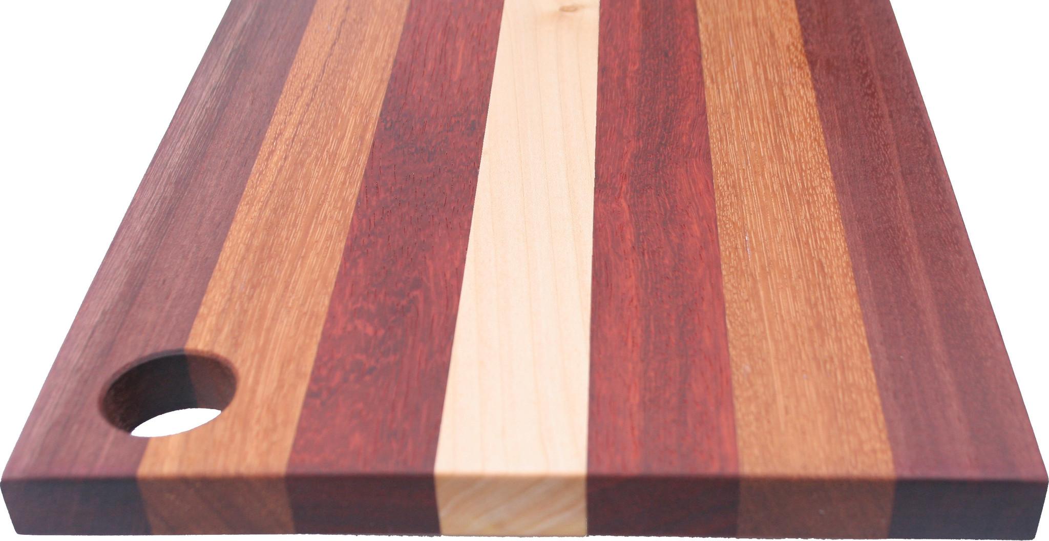 Kleurrijke Kaasplank, van esdoorn, padoek, afzélia en purperhart, verkrijgbaar in 3 formaten