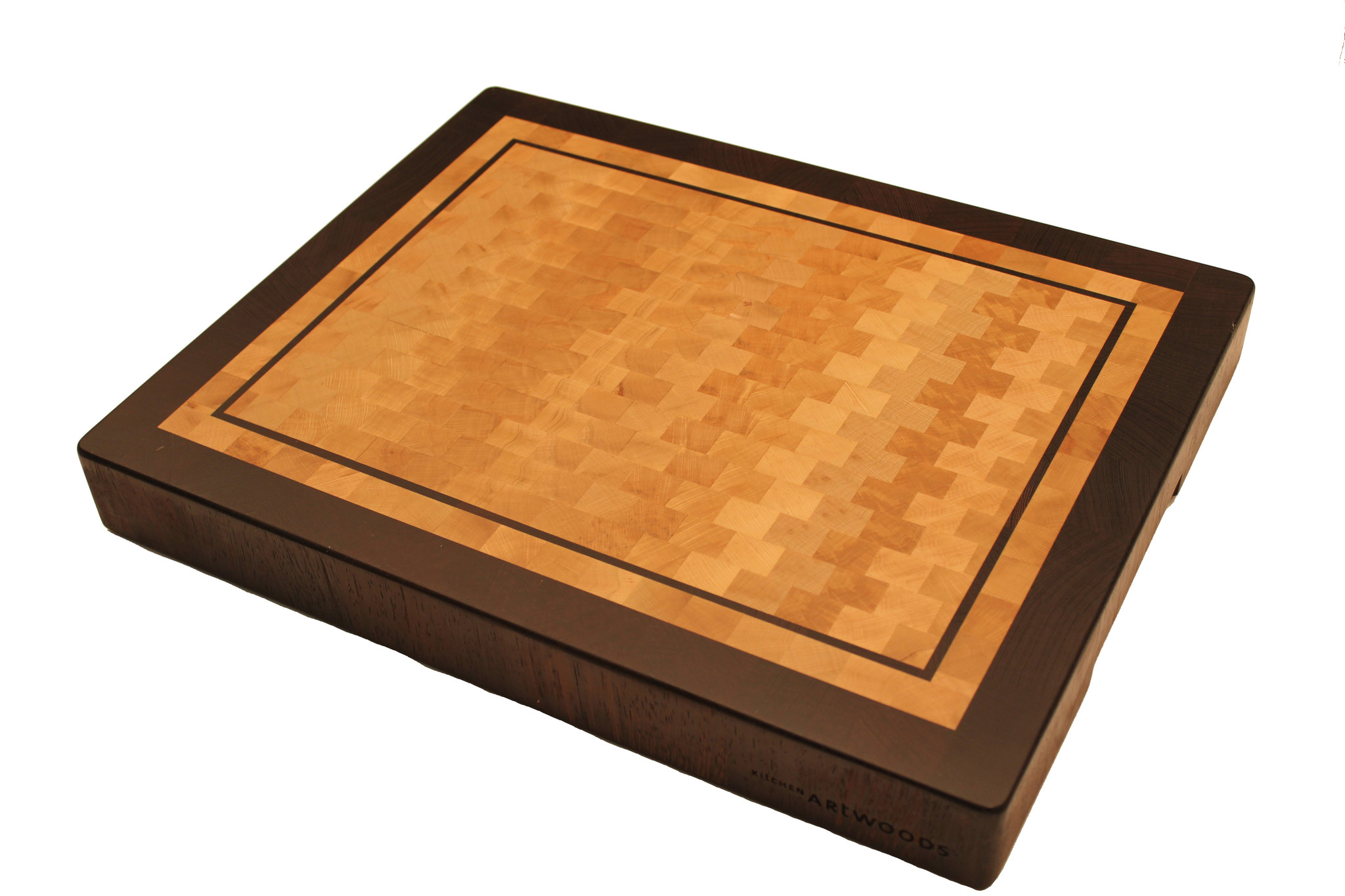 end grain cuttingboard made of hornbeam and wenge