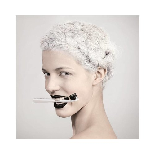 Curaprox Curaprox White is Black Tandpasta + CS5460 tandenborstel
