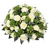 Abelia Meesterbinders Rouwbiedermeier met witte  rozen
