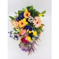 thumb-Kleurrijk gebonden rouwboeket-2