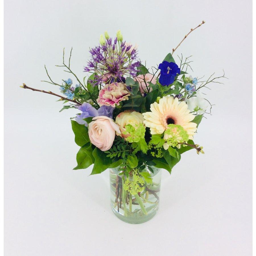 Liefelijk boeket bloemen-2