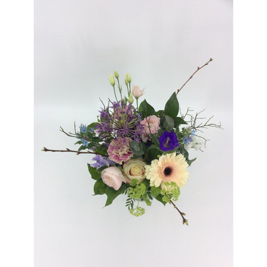 Liefelijk boeket bloemen-4