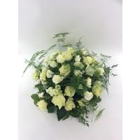 thumb-Biedermeier rouwarrangement van witte rozen W2-1