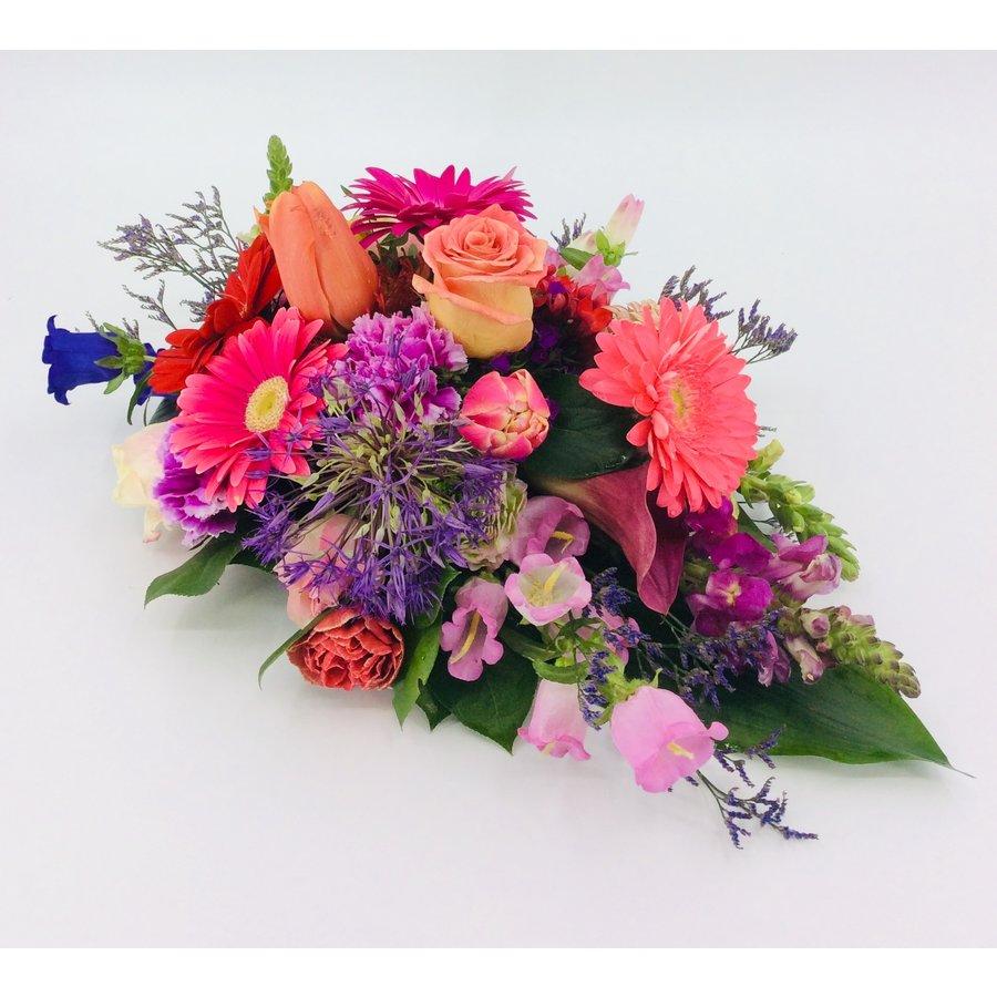 Kleurrijk rouwbloemstuk-2