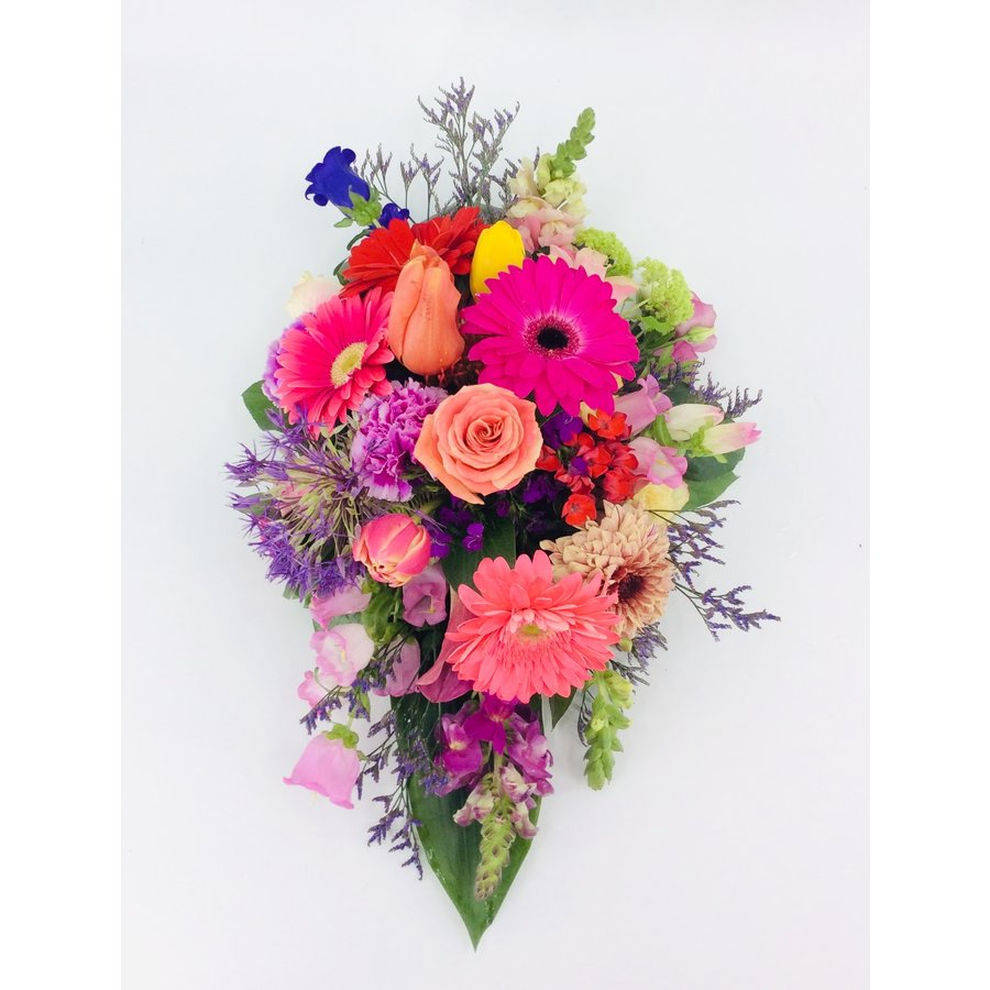 Kleurrijk rouwbloemstuk-3