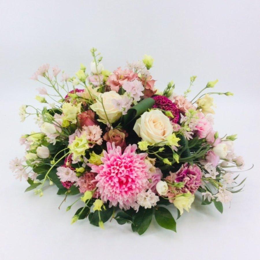 Poedertinten afscheid met bloemen-2