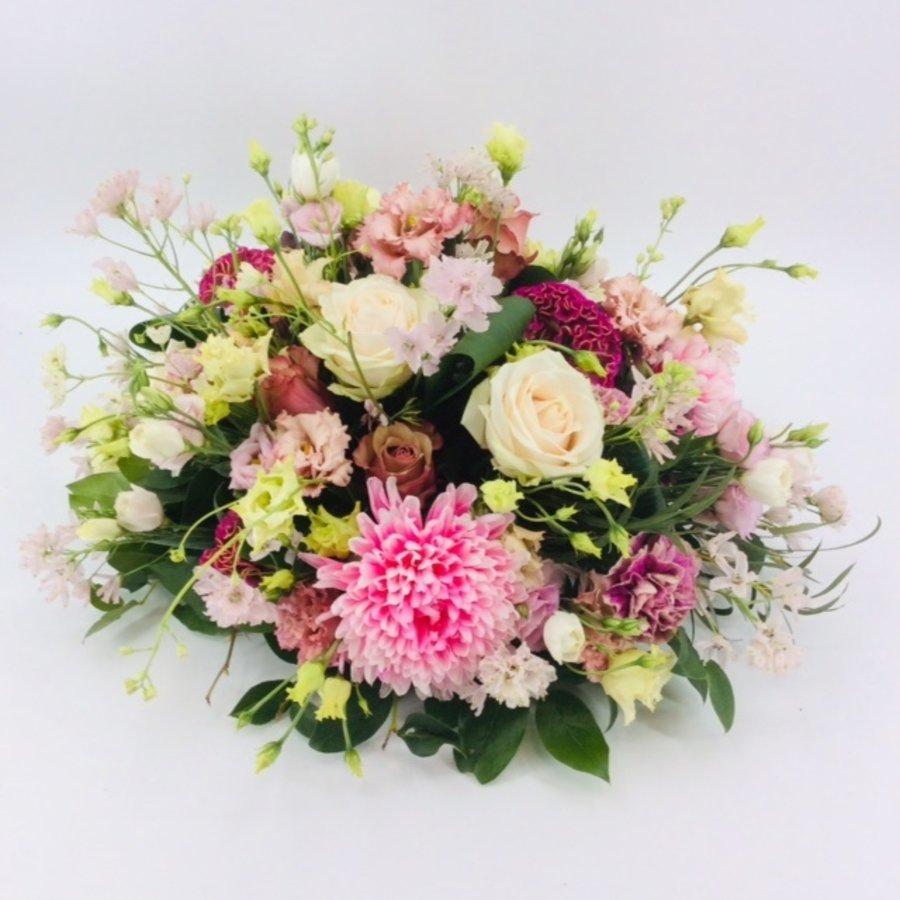 Poedertinten afscheid met bloemen-4