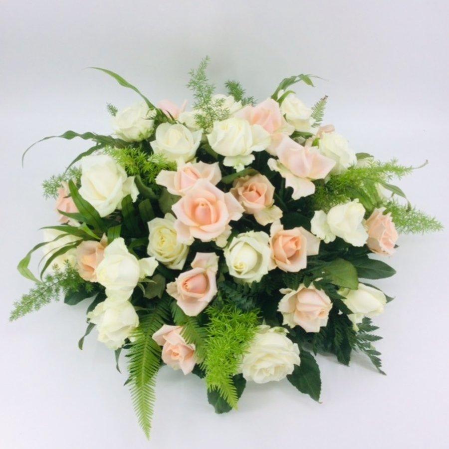 Zalm en  witte rozen ovaal-1
