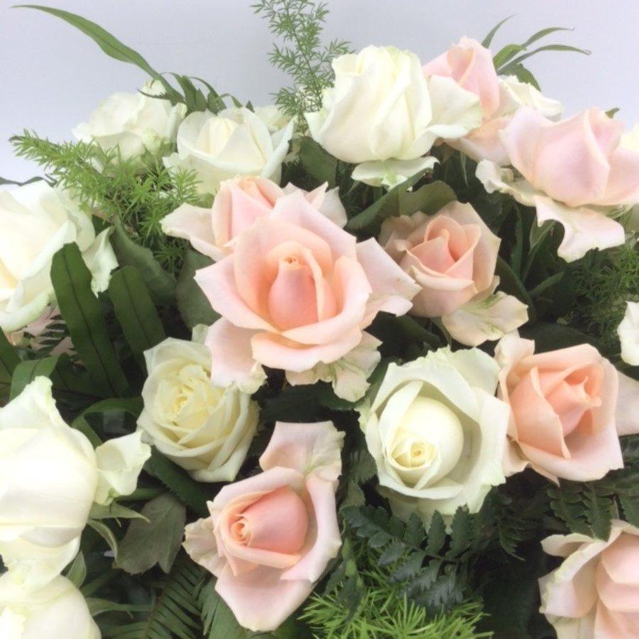 Zalm en  witte rozen ovaal-2