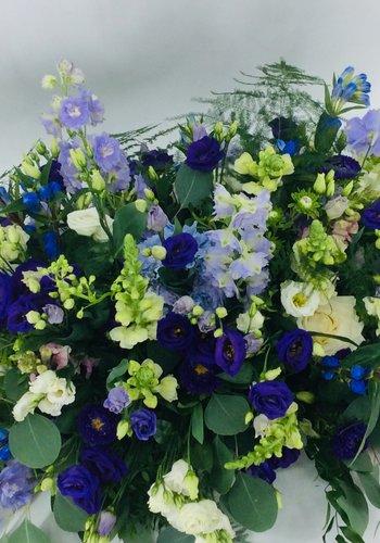 Abelia Meesterbinders Kistbedekking in blauw paars
