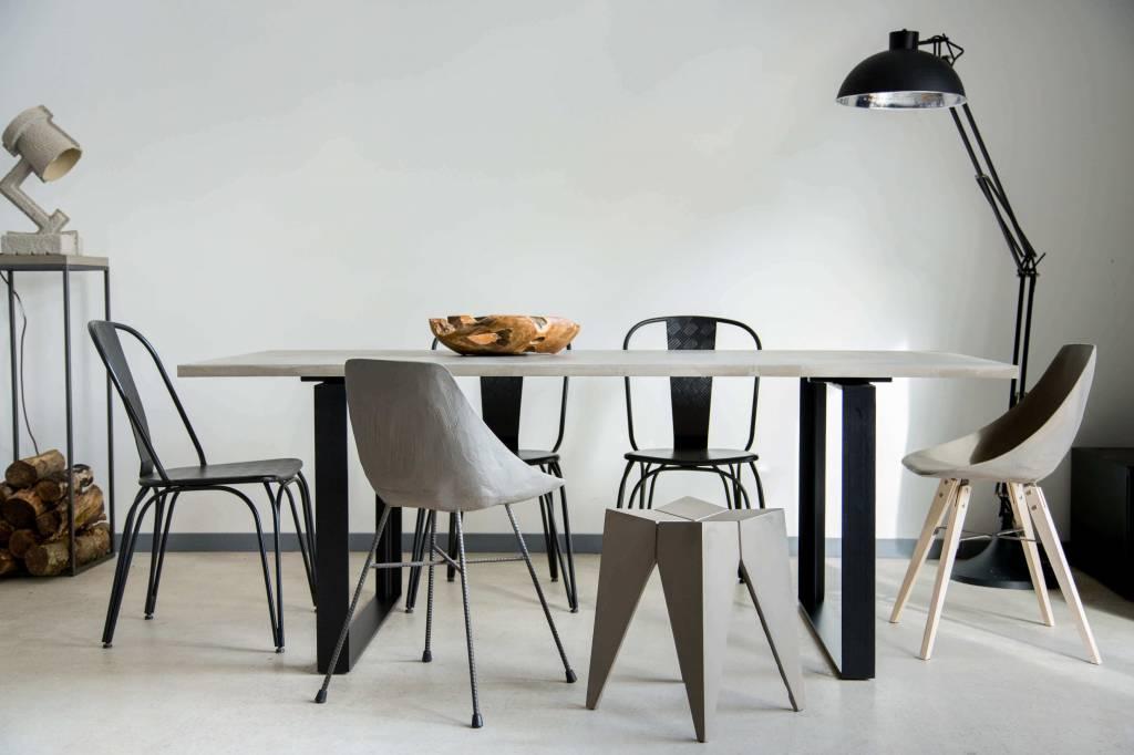 Lyon Béton Alps dining table concrete