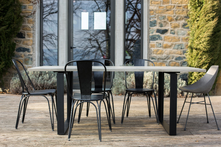 Alps dining table beton