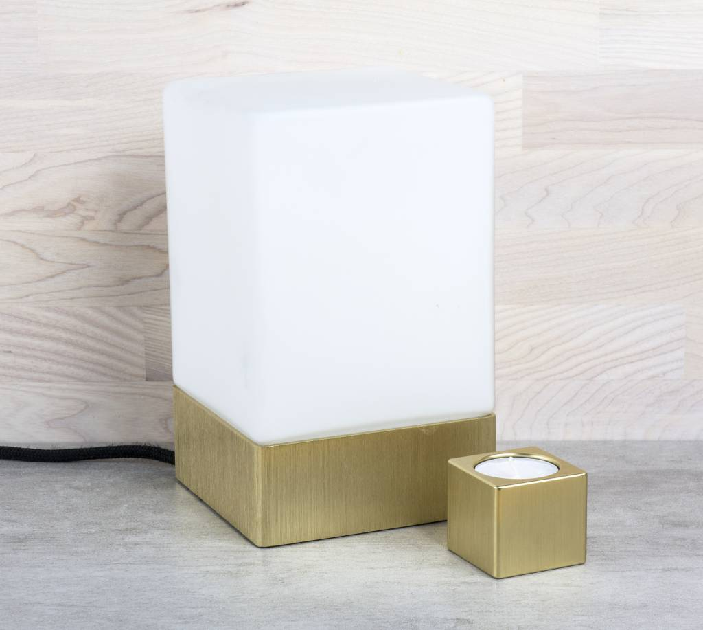 Epos of Sweden Kubb tafel lamp Brass