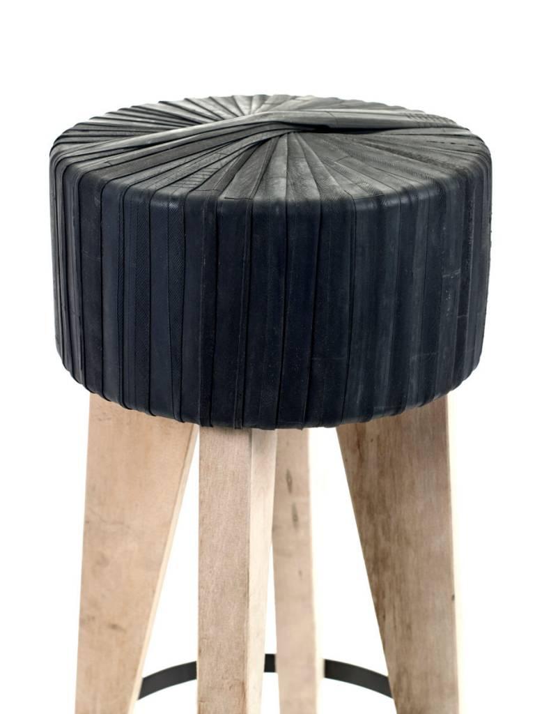 Moniek van den Berghe Barkruk Rubber Recycle