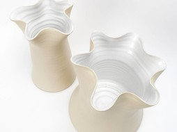 Atelier Oker Vase Jiggling Flower