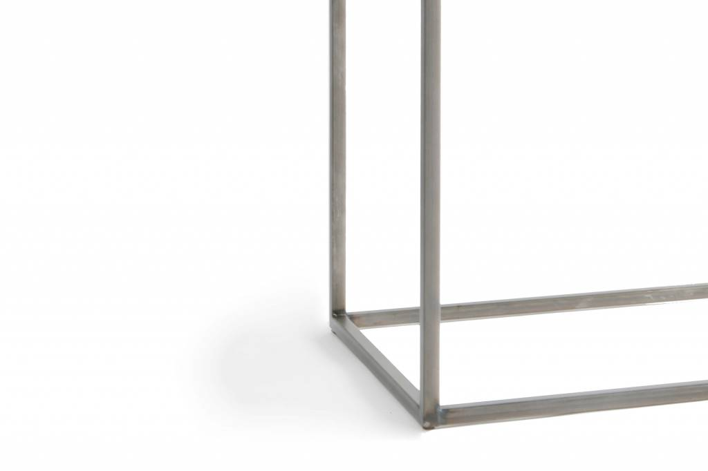 Lyon Béton Console Metal & Concrete
