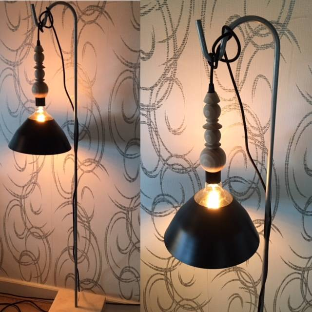 Un Esprit en Plus Flexible lamp fabric cable Black & wood