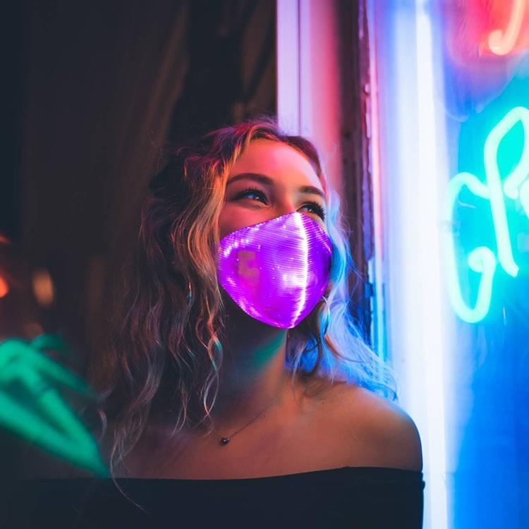 LED Maske  pink wiederaufladbar