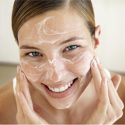 Gezichtscrème en huidverzorging voor de vette huid!
