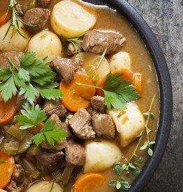 Runderstoofpot, wortel, ui en aardappel