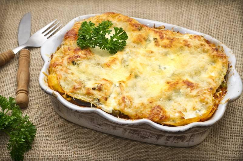 Gehaktschotel uit de oven met spitskool, kerrie en aardappel