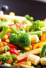 Pulled pork in een wrap met salade van gemengde groenten