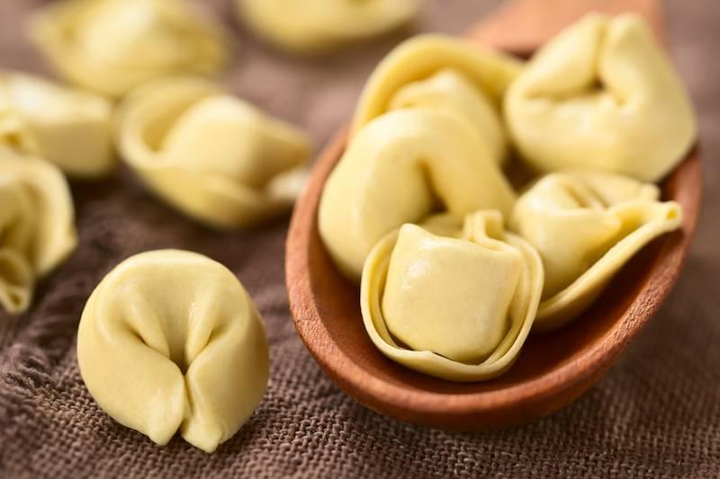 Tortellini in paddestoelen roomsaus en courgette (vegetarisch)